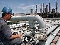Путин попросил от нефтяников не тянуть со стартом производства экологически чистого топлива