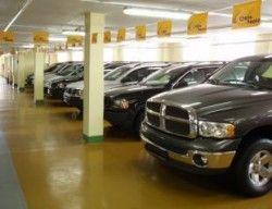 В Соединенных Штатах закрыли небывалое число автомобильных салонов