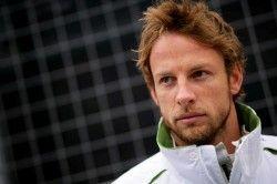 Jenson Button договорился уменьшить собственную заработную плату