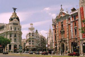 В Испании автомобильные продажи в январе снизились на 48,8%