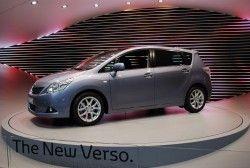 Третья генерация Тойота Версо показано в Женеве