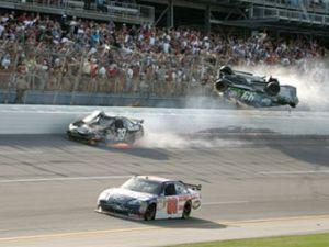 Эрнхардт-младший рекомендовал снизить скорости в NASCAR