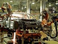 Производство автомобилей в РФ снизилось в 1-м полугодии на 62,4%