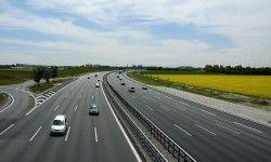 В Германии на автобане встретились 259 авто