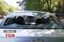 В Киеве незнакомые разделили не менее 20 авто