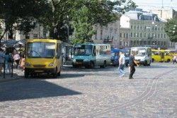 По Украине выезжают поврежденные автобусы