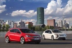 Опель Ампера будет представлена на автомобильном салоне во Франкфурте