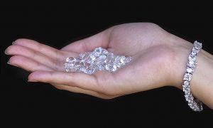 В Соединенных Штатах из оплаченной автомашины своровали алмазы на 1,5 млрд долларов США