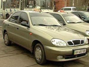 Таксистов обязали защищать пассажиров