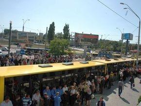 Киевский метро требует у власти восполнить потери на транспортировку льготников