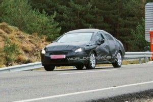 Пежо 408 2011 1-ое возникновение на автодороге