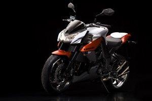 Целиком свежий Kawasaki Z1000 2010
