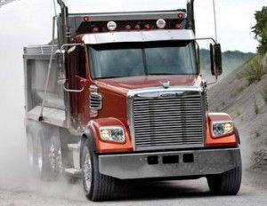 На сцене - новые грузовики Сoronado
