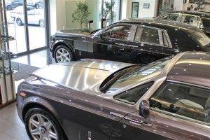 В первый раз в зале АВТ Бавария показано 2 авто: Роллс-Ройс Фантом и Роллс-Ройс Фантом Купе