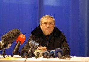 Черновецкий обещал ко Дню Победы починить дороги