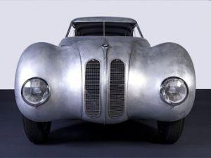 В честь гоночной победы 70-летней давности БМВ приготовит классическое купе