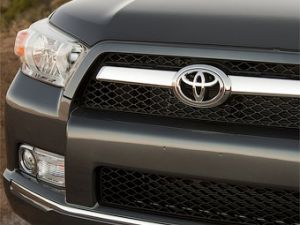 Организация Тойота безмолвствовала о трудностях с педалью газа не менее 3-х лет