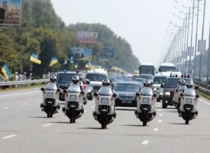 ВР запретит перекрывать автодороги для проезда определенных VIP-персон?