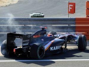 Руководство команды HRT осудило машины Dallara