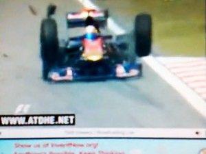 В процессе свободных заездов у болида Toro Rosso откололись ведущие колеса