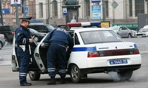 ДПС Города Москва принудила функционеров снять псевдомигалки с автомашин