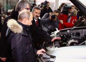 Берлускони садит итальянских министров на Уаз Патриот