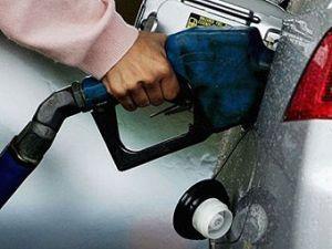 В РФ продлят применение топлива Аи-92