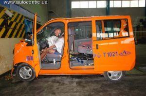 Чери продемонстрировала собственный первый переднеприводный автобус S-22