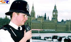 Субару серьезно принялась за английских полицейских
