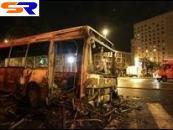 В пригороде Рима демонстранты сожгли автобус с пассажирами