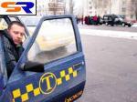 Таксистов Александрии обяжут открывать дверь перед пассажиром