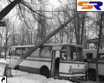 В Черной Церкви на автобус с военными снизился бетонированный столб.