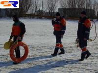 В Черкасской области под снег сорвалась иностранная автомашина.