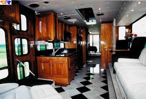 Автобус-амфибия. ФОТО
