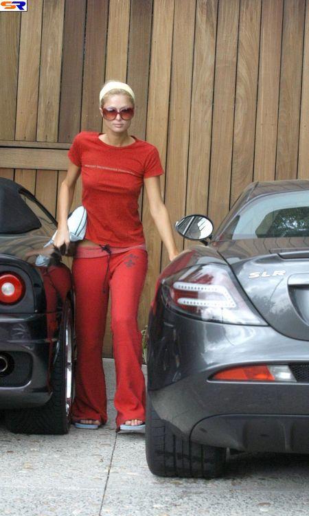 Paris Hilton придавило дверью. ФОТО