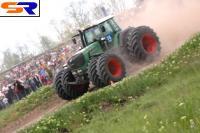 Установлен быстрейший трактор РФ