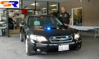 Североамериканские сотрудники полиции пересаживаются на Субару Легаси