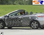 Автомобиль с откидным верхом Хонда Цивик проходит проверки