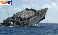 У берегов Аляски утопает фрегат с 5000 машинами на борту