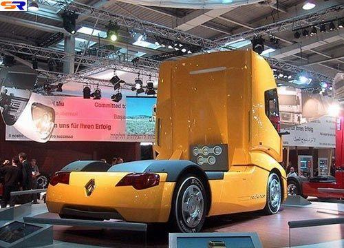 Классический грузовой автомобиль. ФОТО