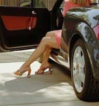 Волосы конкурентки «съело» авто