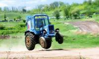 В Швейцарии трактор столкнулся с танком