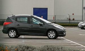 Универсал Peugeot 207 показал себя фотографам