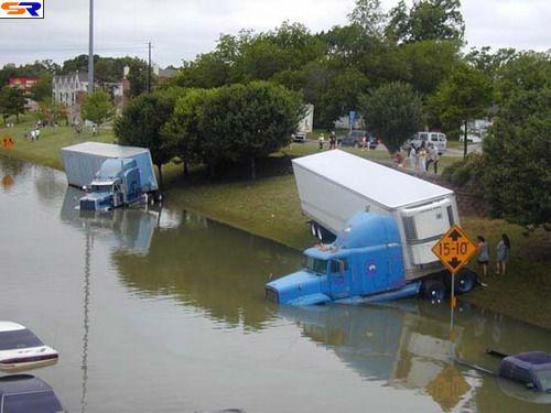 Трагедии больших грузовых автомобилей. ФОТО