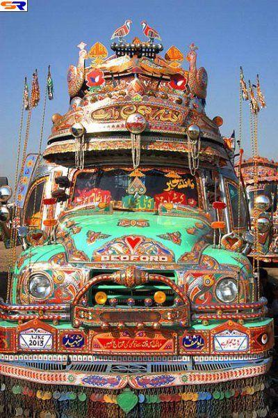 Грузовые автомобили вПакистане. ФОТО