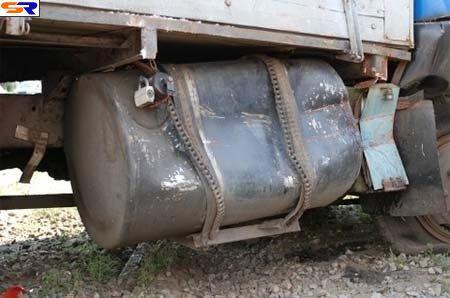 Автолюбитель трамвая незаметил грузовой автомобиль. ФОТО