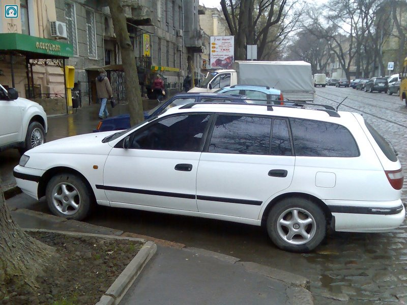 Тойота карина е фото