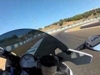 BMW HP4 на треке