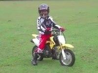 Первая поездка маленького Джо на Suzuki DR-Z70