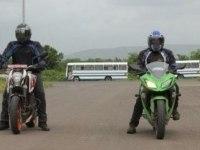 Дрэг-рейсинг Kawasaki Ninja 300 и KTM Duke 390